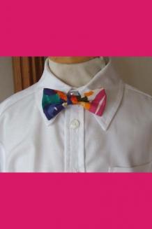 Blue/pink multicolour bow tie